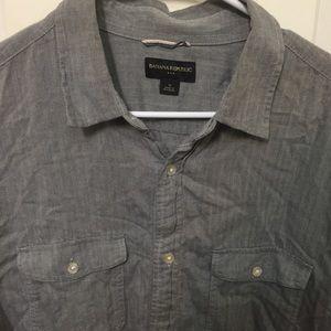 Men's Banana Republic Button Up Shirt XL Gray